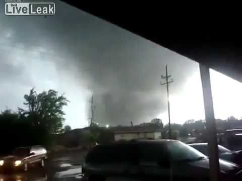 New Footage of Tuscaloosa tornado .Very close too...