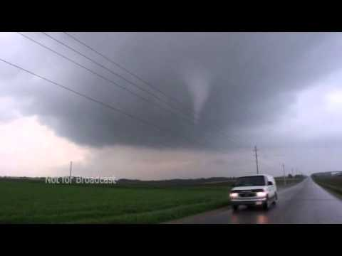 Kenilworth Brief Tornado and Funnels - High Rez